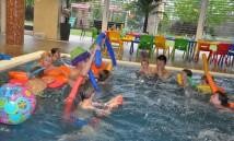 klaun v bazénu 2