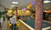 klaun v bazénu 4
